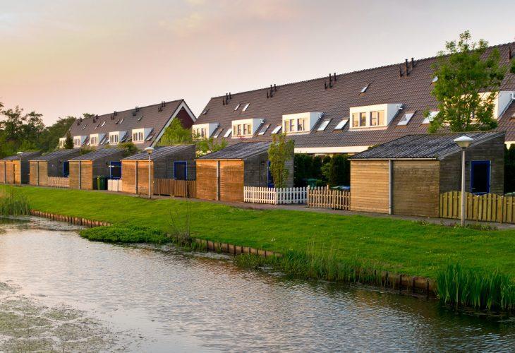 abri de jardin moderne toit en pente