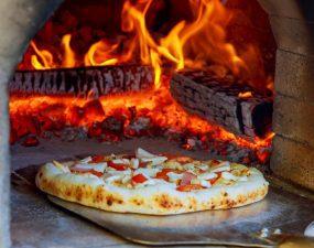 four à pizza extérieur dans votre jardin