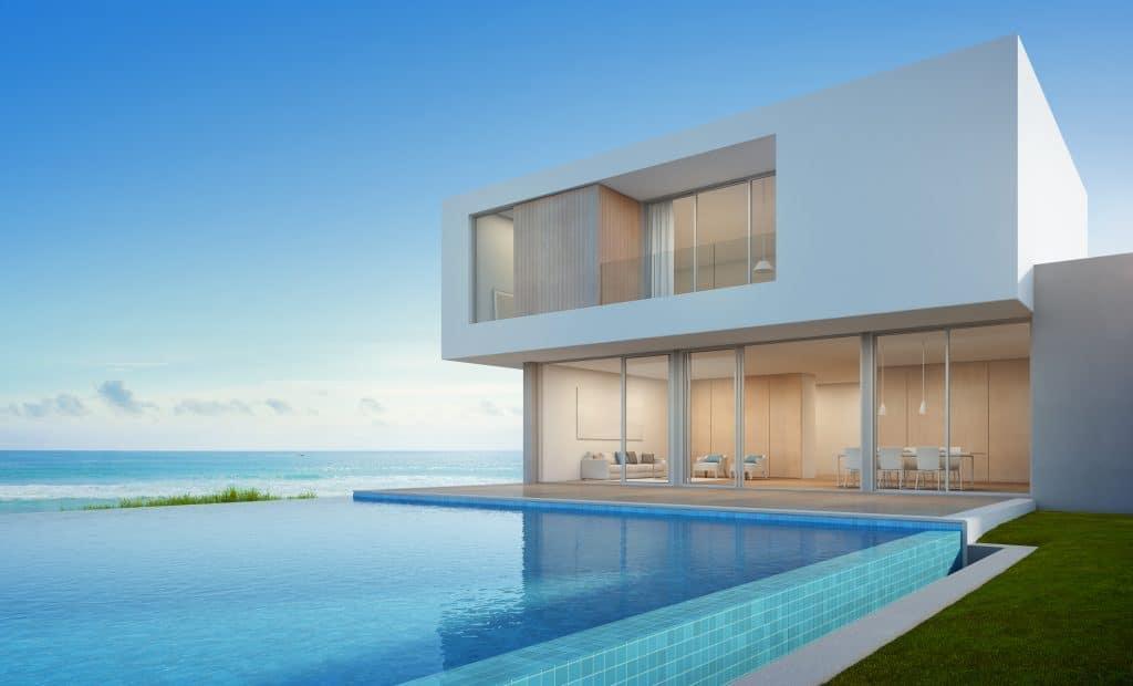 Maison en verre de plage de luxe avec piscine avec vue sur mer au design moderne, Maison de vacances pour grande famille
