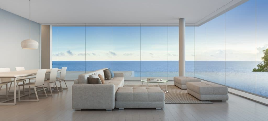 Dîner et salon maison de plage luxueuse avec piscine vue sur mer au design moderne, maison de vacances pour grande famille