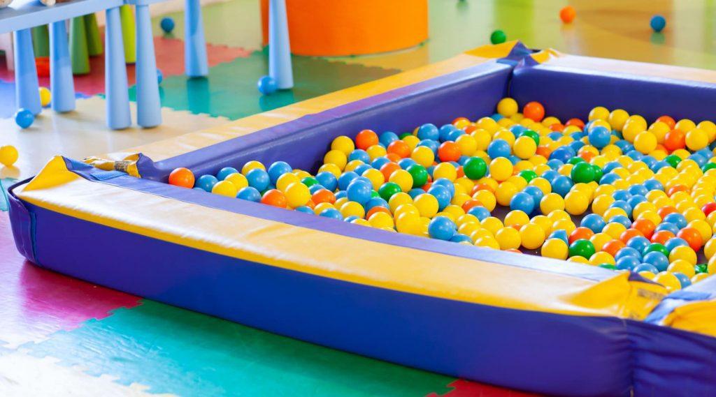 Comment bien choisir sa piscine à balles pas chère ?